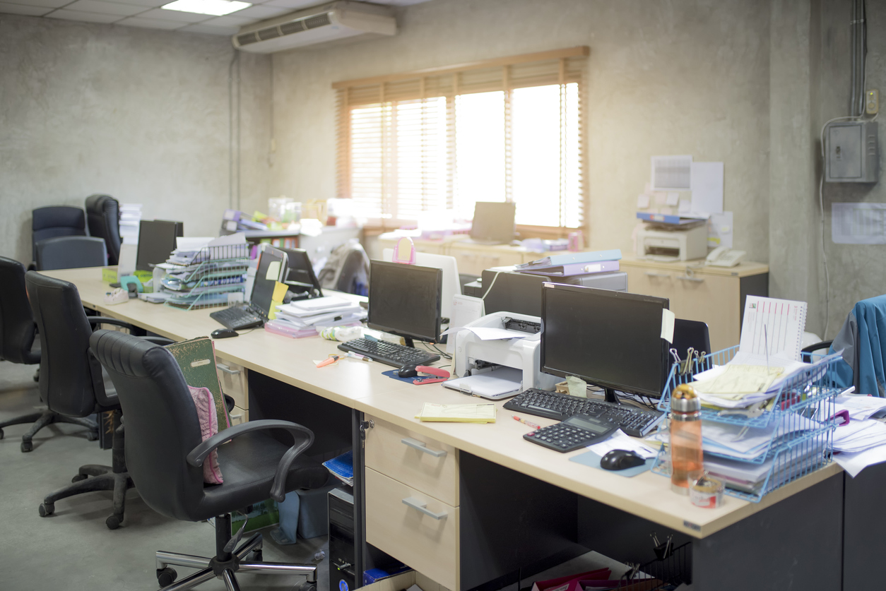 messy office clutter work environment, stress, overwhelm, workplace